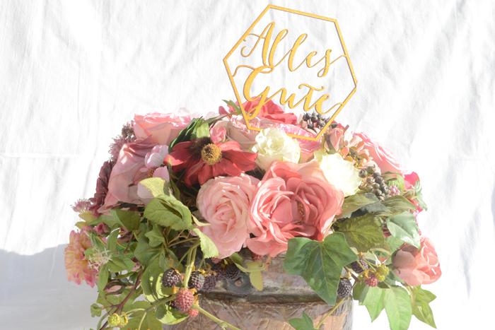 Freude machen - ein Cake Topper passt auch sehr schön auf einen Blumenstrauss