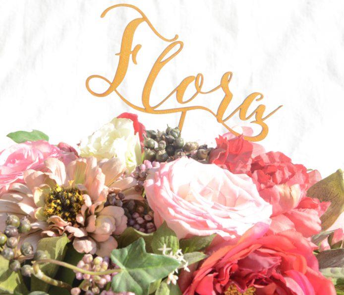 Cake Topper von SARAS als Blumendekoration